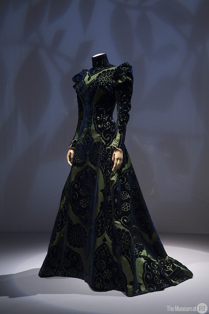 House of Worth, tea gown, circa 1897; from the collection of the Palais Galliera, Musée de la Mode de la Ville de Paris. Installation view of the exhibition Proust's Muse, The Countess Greffulhe at The Museum at FIT. An exhibition developed by the Palais Galliera, Musée de la Mode de la Ville de Paris. Photograph © 2016 The Museum at FIT.